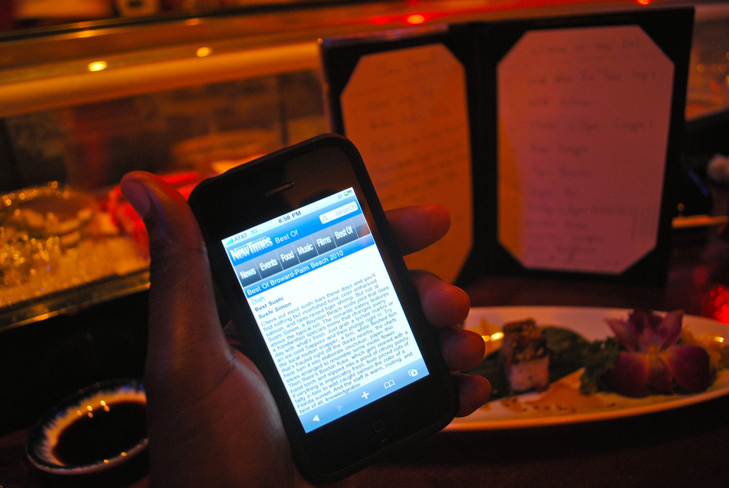 mobile marketing in restaurant | Small Business BC