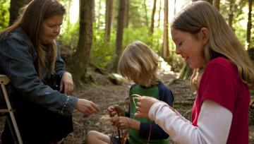 Aboriginal Tourism BC - Cedar Weaving