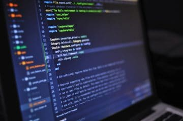 5 reasons you should hire a web developer
